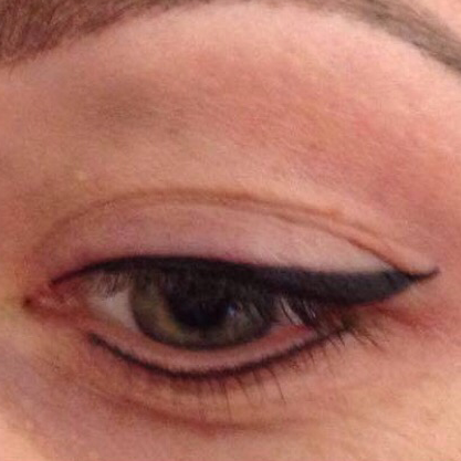 Eyeliner and lash enhancement (1)