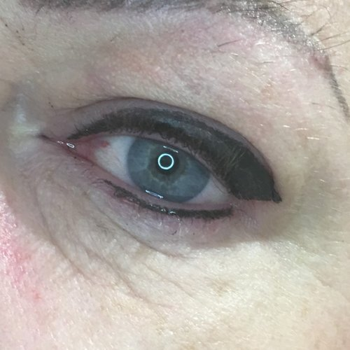 Eyeliner and lash enhancement (15)