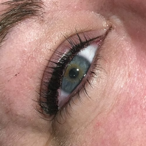 Eyeliner and lash enhancement (20)
