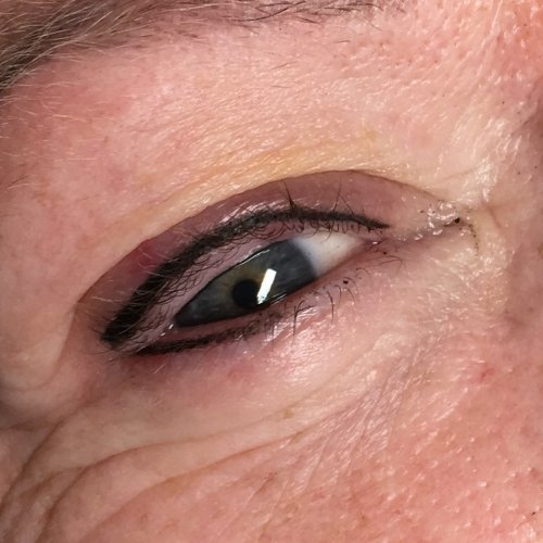 Eyeliner and lash enhancement (34)