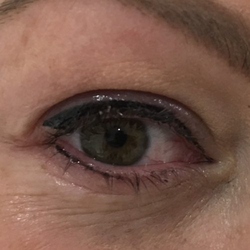 Eyeliner and lash enhancement (9)